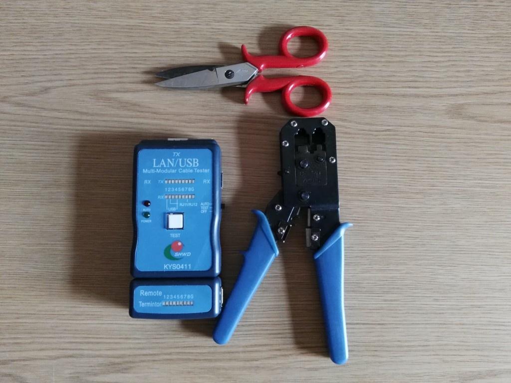 Herramientas para fabricar un cable de red