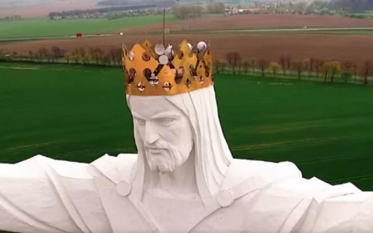 ¿Para qué sirven las antenas en la cabeza del Cristo más grande del mundo?