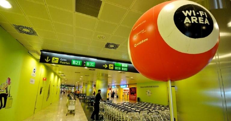 Aena permitirá navegar por Internet más rápido en los aeropuertos