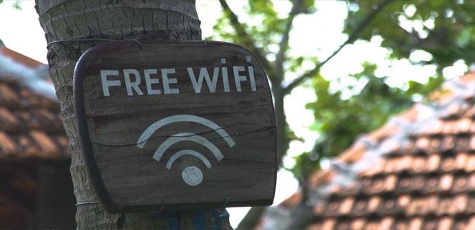 Cómo conectarse y navegar de forma segura por Internet este verano