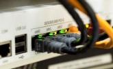 Qué tipos de ataques son los más frecuentes en routers y cómo evitarlos